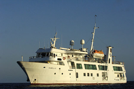 luxury ships and cruises galapagos islands