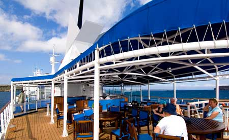 luxury cruises and yachts galapagos