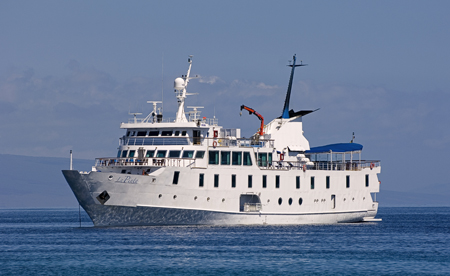 La Pinta Galapagos luxury cruises