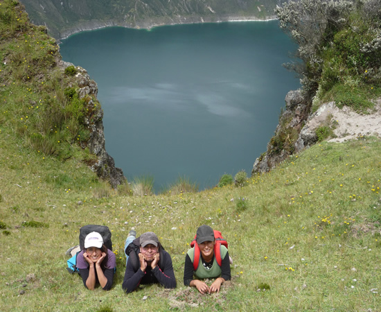 travel to quilotoa lake ecuador